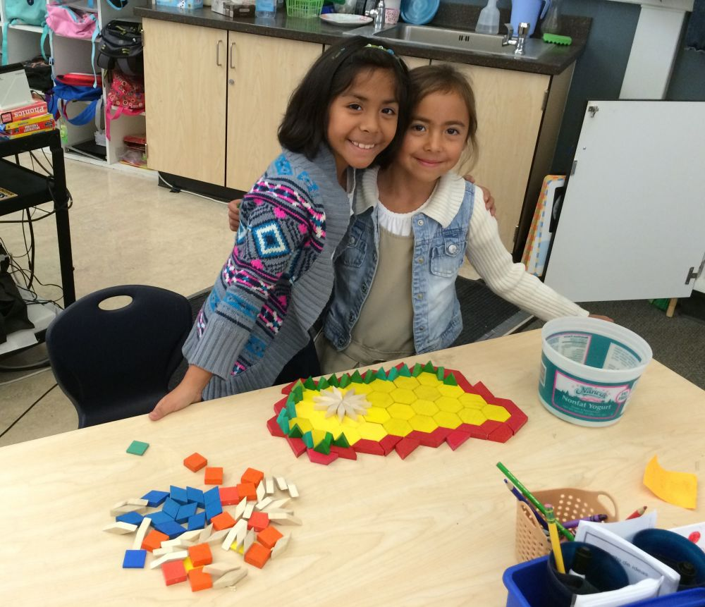 2nd graders with blocks