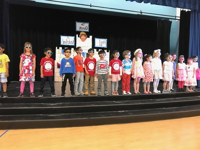 Cool kindergarten students honoring Retiring teacher Mrs. Jones