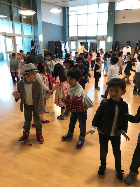 Kindergarten students celebrating 1950's on the 50th day of school