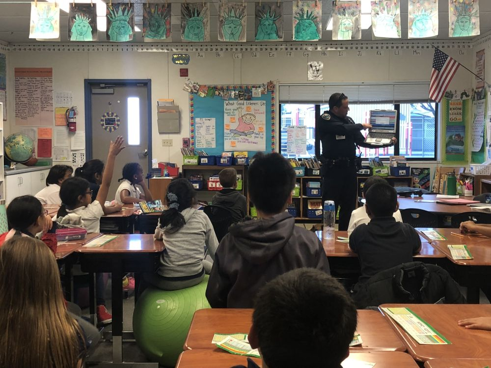 officer visits classroom